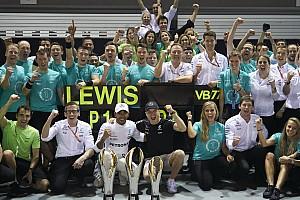 Fórmula 1 Noticias Hamilton recordó a Senna mientras corría en Singapur