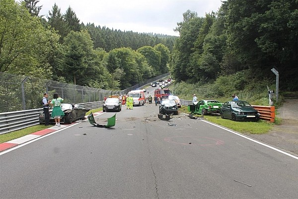 Speciale Ultime notizie Maxi incidente in un track day al Nordschleife: ben 10 i feriti