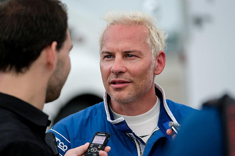 Villeneuve: Vettel já pode ensinar como perder um campeonato