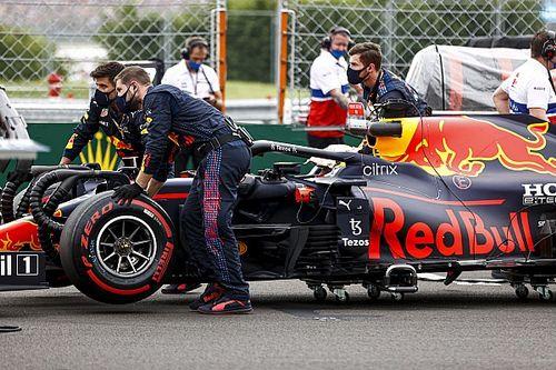 """Verstappen: """"Otra vez fui sacado por un Mercedes"""""""