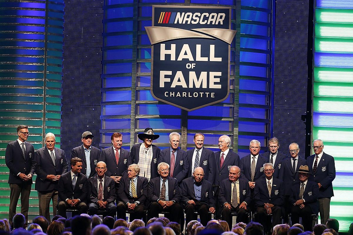 Jeff Gordon leads impressive group into NASCAR Hall of Fame