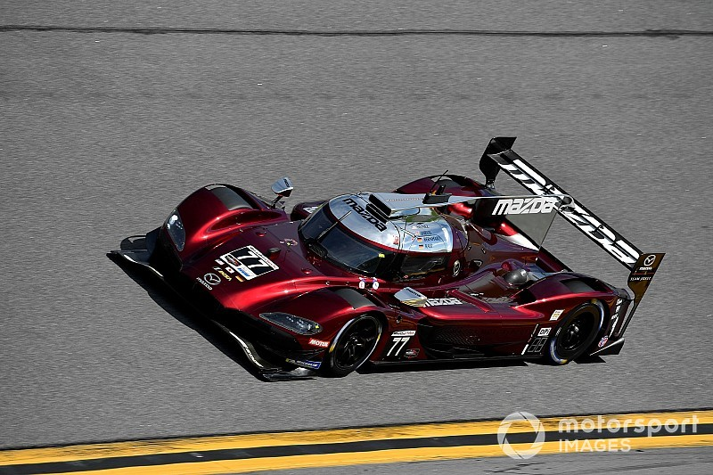 24 Ore di Daytona: Jarvis regala la pole alla Mazda davanti alle Acura, Alonso scatterà sesto