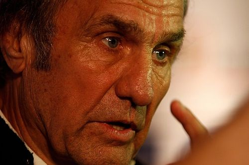 Reutemann moved out of intensive care as condition improves