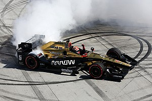 IndyCar Reactions Hinchcliffe espera un impulso en su carrera tras Long Beach