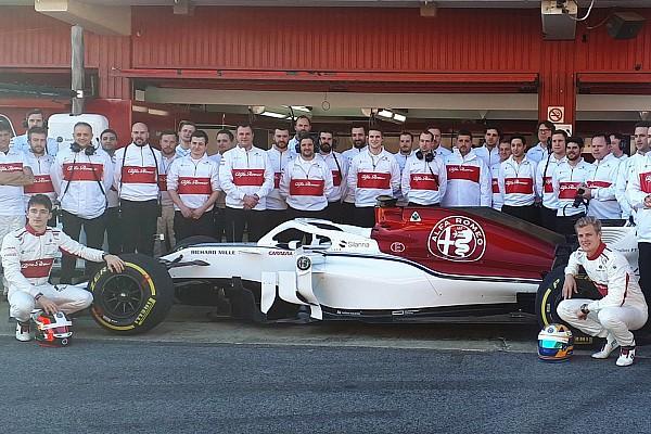 Formula 1 Ultime notizie Video: l'Alfa Romeo Sauber C37 è già in pista a Barcellona!