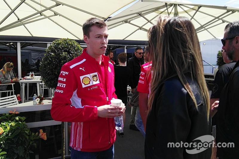 Квят впервые приехал на Гран При с Ferrari – он заменяет Джовинацци