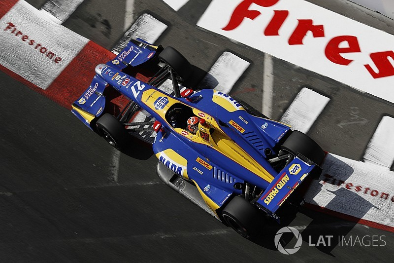 Rossi vence en Long Beach