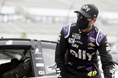 Jimmie Johnson regresa a NASCAR tras resultado negativo por COVID-19