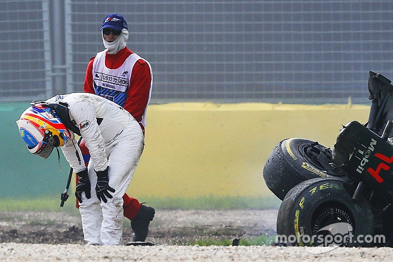 Алонсо с пониманием отнесся к решению докторов FIA