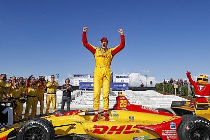 Hunter-Reay rompe il digiuno e trionfa a Detroit davanti a Power