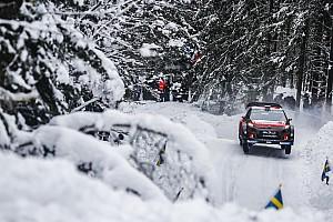 WRC Motorsport.com hírek Videón, ahogy Tänak belerohan Meeke-be a Svéd Ralin