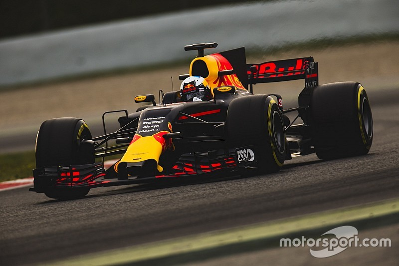 "Red Bull може ""майже впритул"" наблизитися до Mercedes і Ferrari"