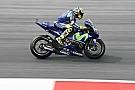 MotoGP Rossi y Viñales dan 180 vueltas para limitar el desgaste de la goma trasera