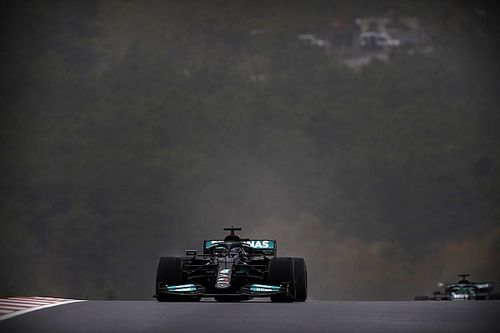 Mercedes: Hamilton végig tudta volna csinálni a versenyt kiállás nélkül, de…