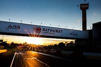 Motorsport.com eTeam 12 Saat Bathurst yarışına giriyor!