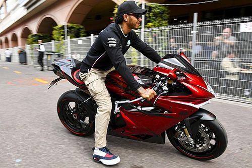 Hamilton se presenta en Mónaco con una moto de casi 75.000 dólares