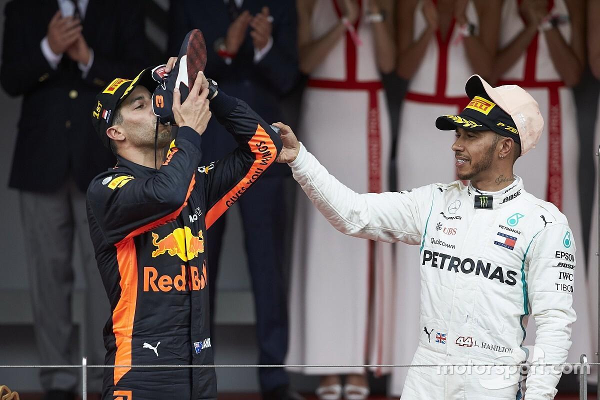 Hamilton cree que Ricciardo solo tiene una opción para 2019