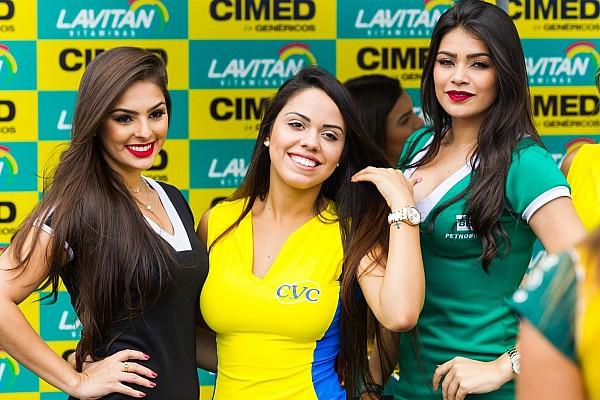 Stock Car Brasil Grid Girls brilham antes de etapa da Stock Car em Goiânia