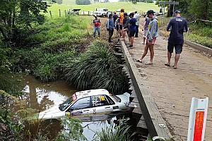دبليو آر سي أخبار عاجلة رالي أستراليا: إحدى السيارات تغرق في النهر في حادث غريب