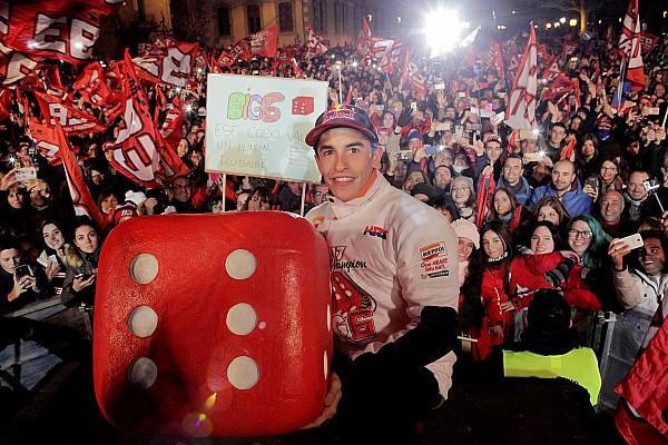 Stop/Go Livefeed Képeken Marquez ünneplése a szülővárosában