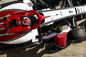 Räikkönen csak dicsérni tudja az Alfa Romeót