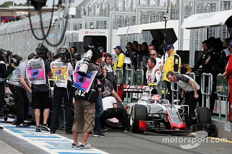 Grosjean y Haryanto chocan en Melbourne