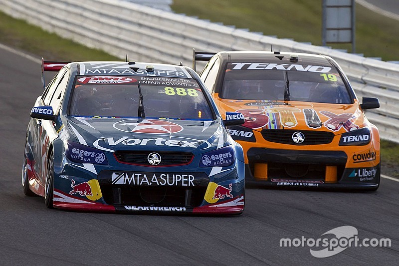 Tasmania V8s: Davison emerges from wild race as winner