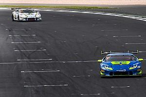 Lamborghini Super Trofeo Gara Postiglione e Cecotto firmano la doppietta a Silverstone