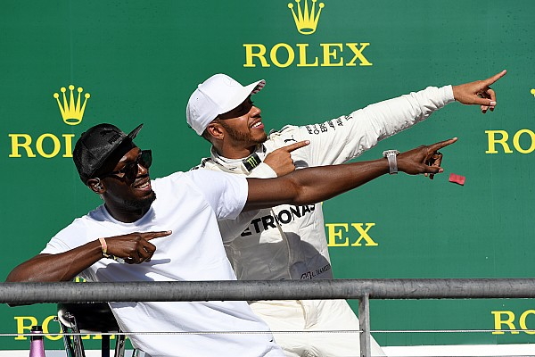 Story behind the photo: Hamilton does the 'Lightning Bolt'