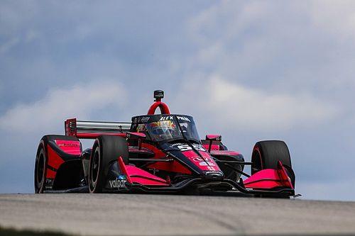 Новичок IndyCar дважды обогнал чемпиона и вырвал дебютный подиум