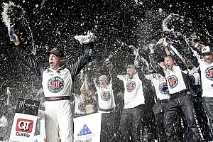 Kevin Harvick takes dominant victory at Atlanta