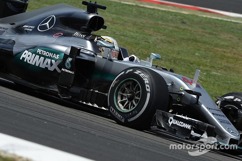 Хемілтон: Нічого не має зупинити Mercedes