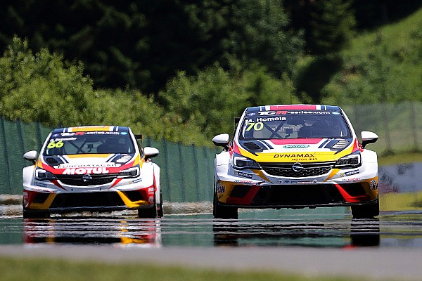 TCR Mat'o Homola sets pole in eventful qualifying session at the Salzburgring