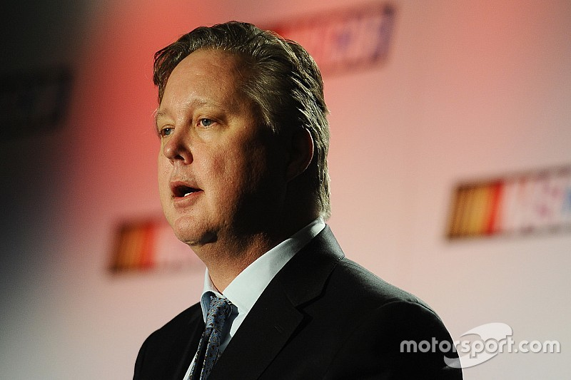 Керівник NASCAR Браян Франс пішов у «безстрокову відпустку»