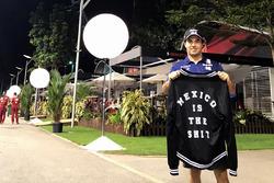 Sergio Perez, Sahara Force India with a Mexican GP jacket