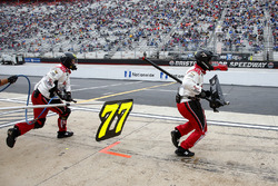 Boxencrew von Erik Jones, Furniture Row Racing, Toyota