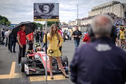 Chica de la parrilla, Maximilian Günther, Prema Powerteam Dallara F317 - Mercedes-Benz,
