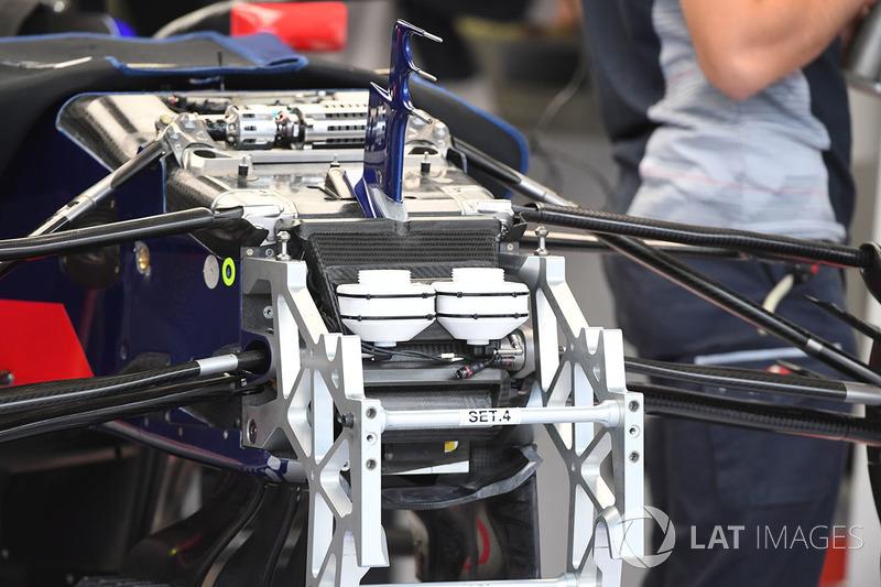 Toro Rosso STR12: Vorderradaufhängung