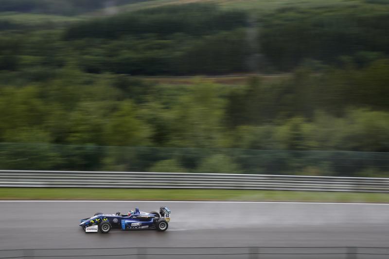 Фердінанд Габсбург, Carlin, Dallara F317 - Volkswagen