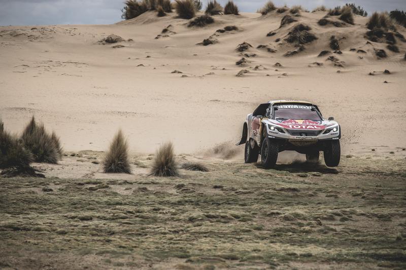 #300 Team Peugeot Sport, Peugeot 3008 DKR: Stéphane Peterhansel, Jean-Paul Cottret