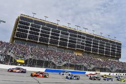 Denny Hamlin, Joe Gibbs Racing Toyota and Martin Truex Jr., Furniture Row Racing Toyota