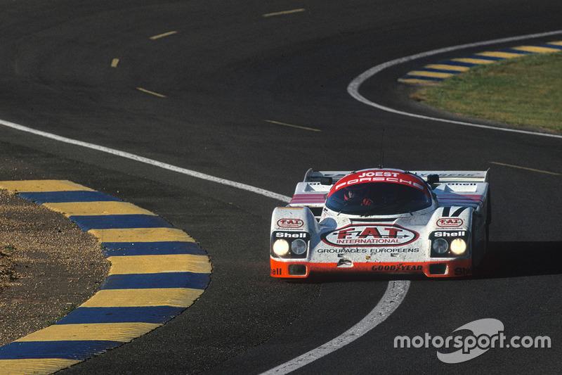 Экипаж Porsche 962C в составе Мануэля Ройтера, Франка Елински и Джона Уинтера