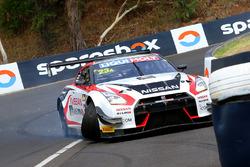 Crash: #23 Nissan Motorsport, Nissan GT-R Nismo GT3: Katsumasa Chiyo, Alex Buncombe, Michael Caruso