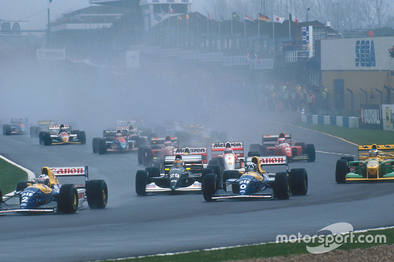 Alain Prost leads teammate Damon Hill, Williams FW15C, Karl Wendlinger, Sauber C12, Ayrton Senna, McLaren MP4/8, Michael Schumacher, Benetton B193B, Michael Andretti, McLaren MP4/8