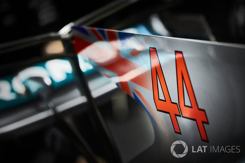 The race number on the engine cover fin of Lewis Hamilton, Mercedes AMG F1 W08