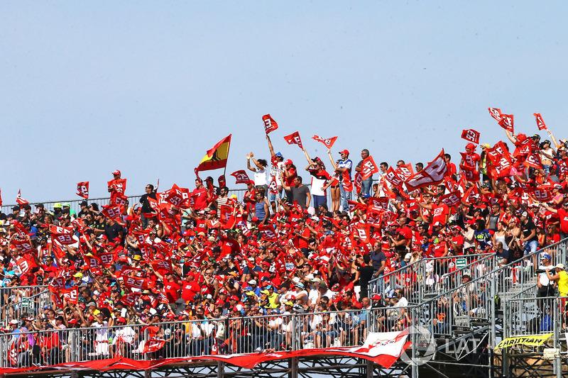 Marquez fans