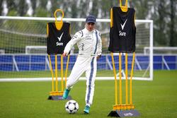 Felipe Massa, Williams joue au football dans les installations du club de Chelsea