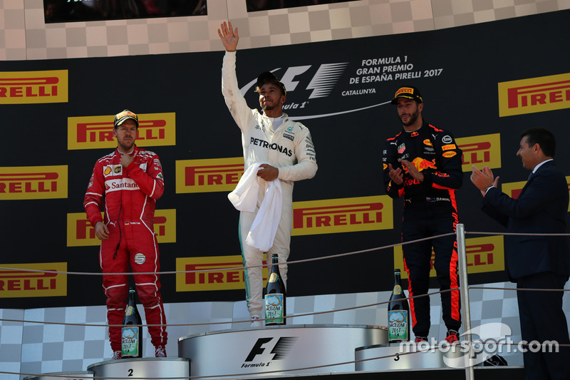 Podium: race winner Lewis Hamilton, Mercedes AMG F1, second place Sebastian Vettel, Ferrari, third p