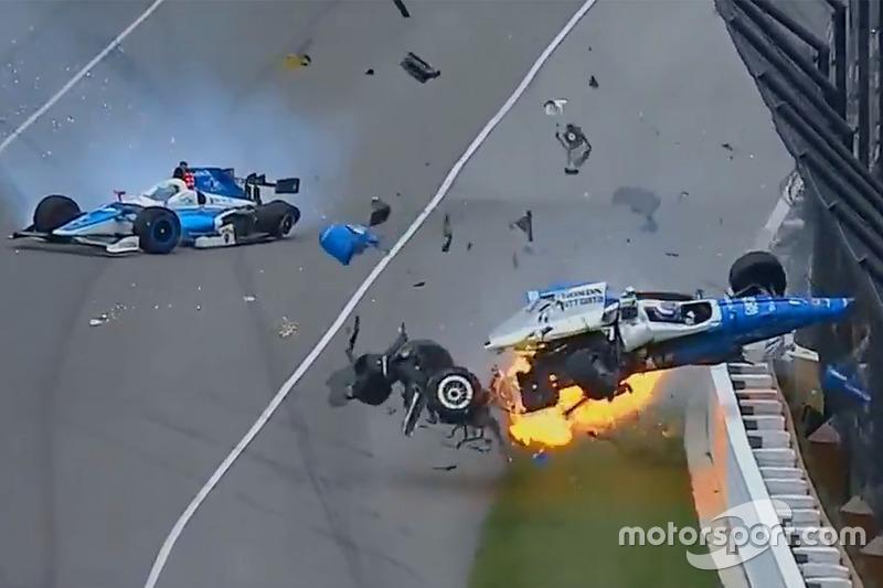 IndyCar Vídeo: Dixon/Howard, ilesos de un gran accidente