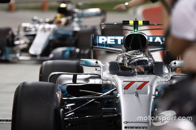 Ganador de la pole Valtteri Bottas, Mercedes AMG W08